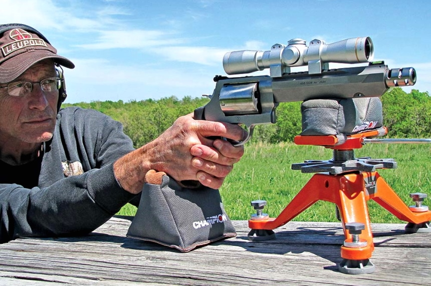 10 Best Handgun Scopes – Sharp Image and Improved Accuracy!