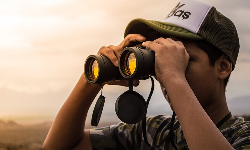 7 Great Binoculars under 200 Dollars with Advanced Vision and Durability